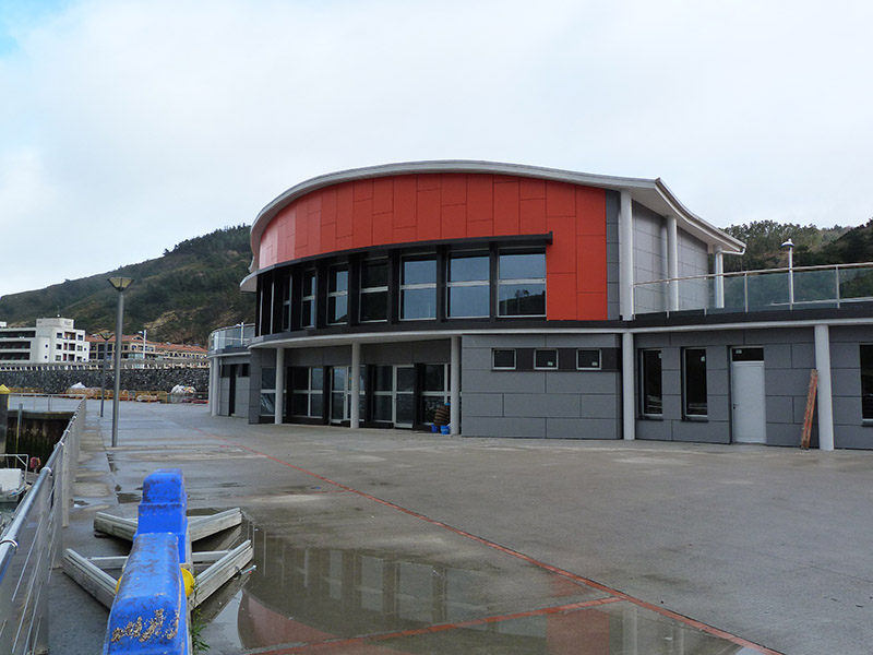 Aluminios Eibar / Obras de panel Composite