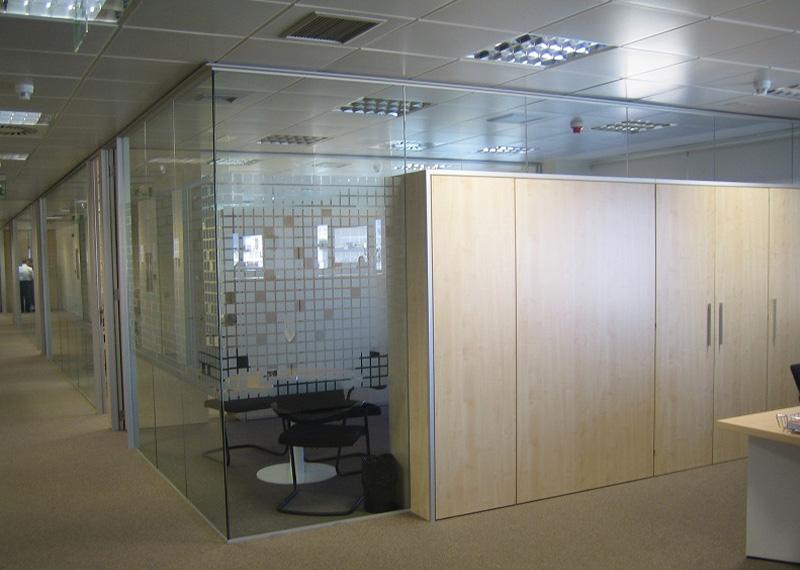 Aluminios Eibar / Travaux de division des bureaux: armoires